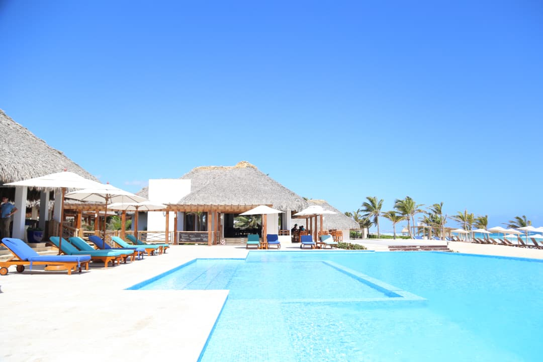 cana bay beach club swimming pool